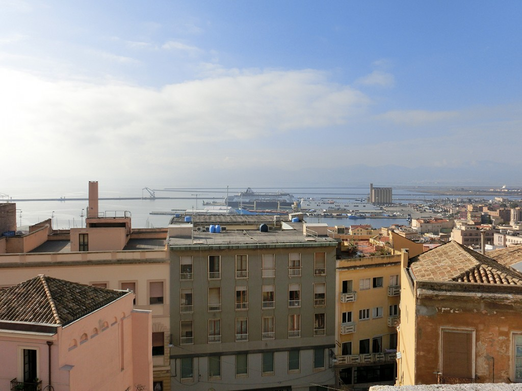Cagliari, Vaarwel Italië